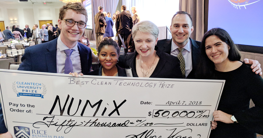 Northwestern Team Wins Clean Energy Prize at Rice Business